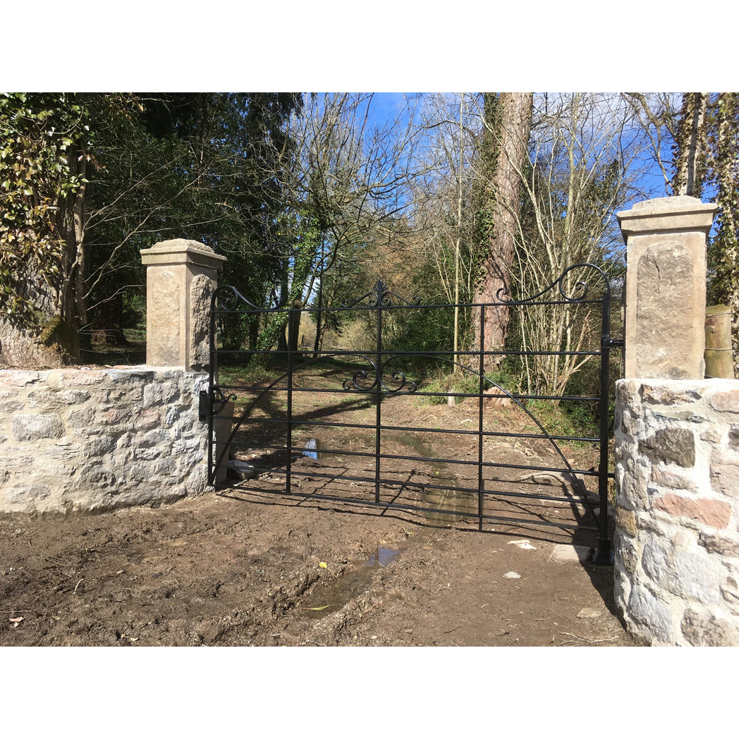 devon manor house boundary gate