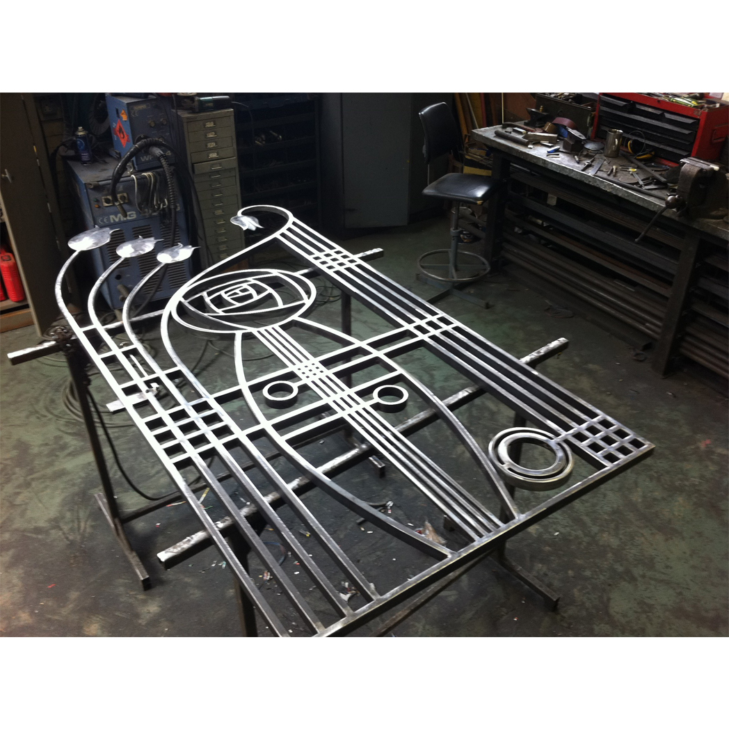forged steel macintosh style gate